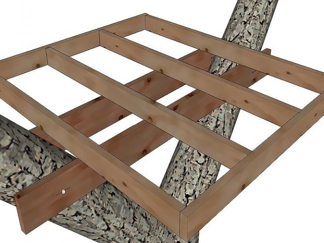 monteren-zijbalken-platform-boomhut